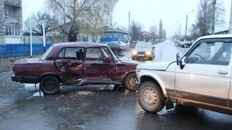 В Таловском районе сонный водитель спровоцировал ДТП