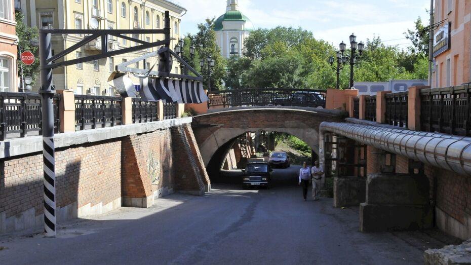 Движение под Каменным мостом в Воронеже перекроют 15 июля