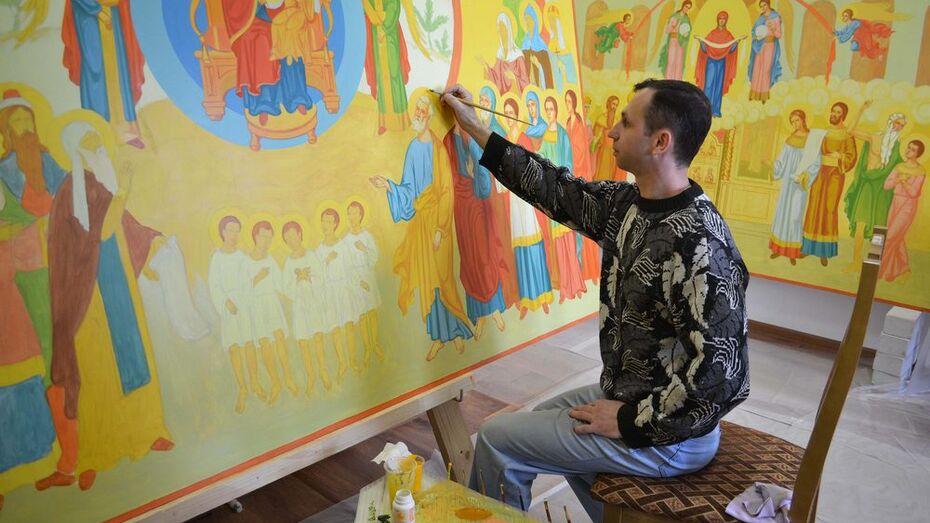 В Лисках известные воронежские иконописцы распишут верхний храм Владимирского Собора