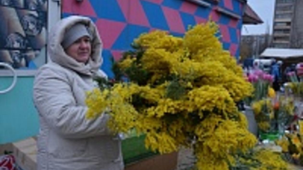 В Воронеже к 8 Марта цены на цветы подняли в полтора раза