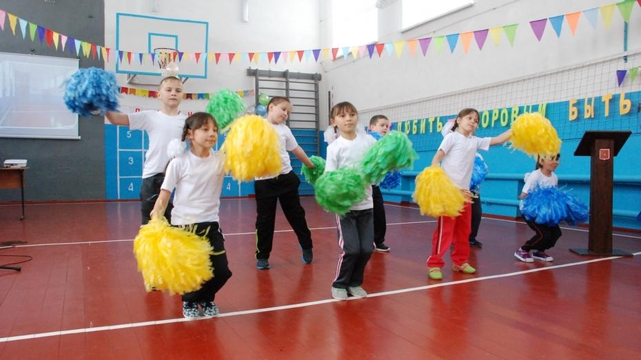 В Кузнецовской школе Кантемировского района отремонтировали спортзал