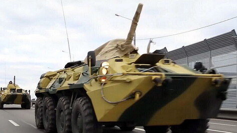 Воронежцев попросили не пугаться колонн военной техники