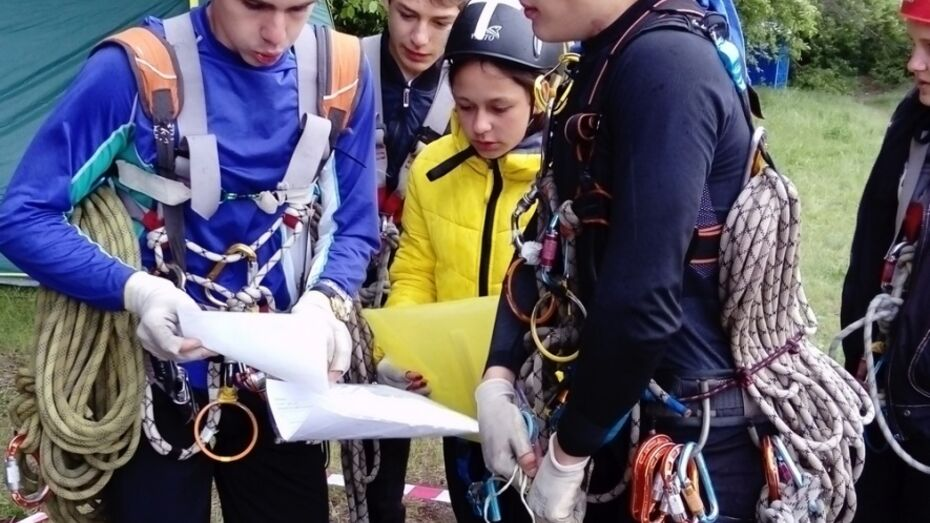 Подгоренские школьники победили в областных соревнованиях по спортивному туризму