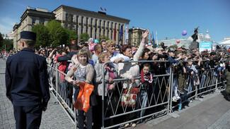 На тротуары Воронежа нанесут разметку для дистанции между зрителями парада Победы