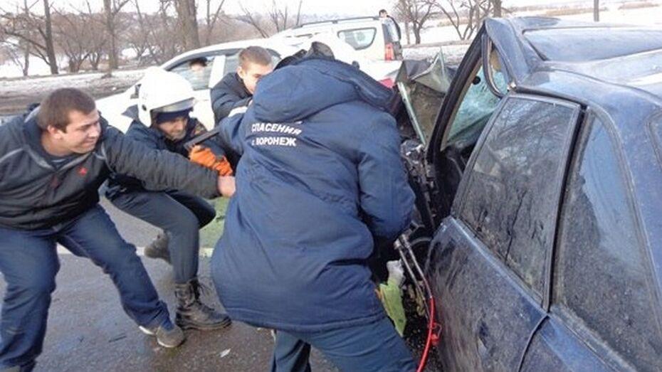 В Семилуках пьяный водитель иномарки спровоцировал ДТП