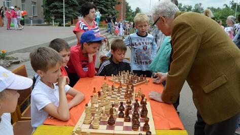 В Семилуках в День защиты детей для ребят провели несколько мастер-классов