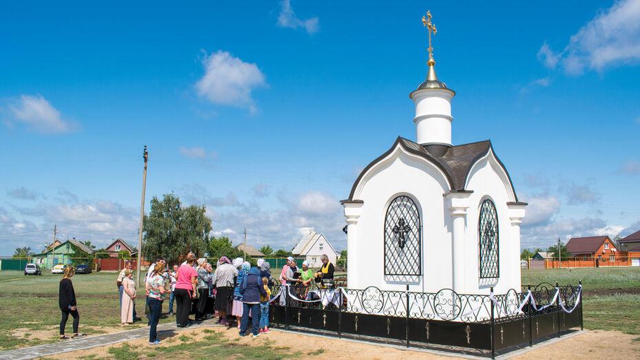 В лискинском селе Духовое освятили православную часовню