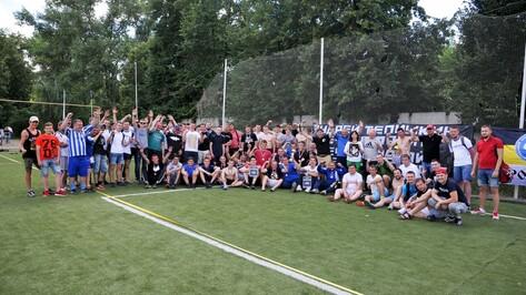 В первом воронежском фанатском турнире по футболу победил «Метеор»