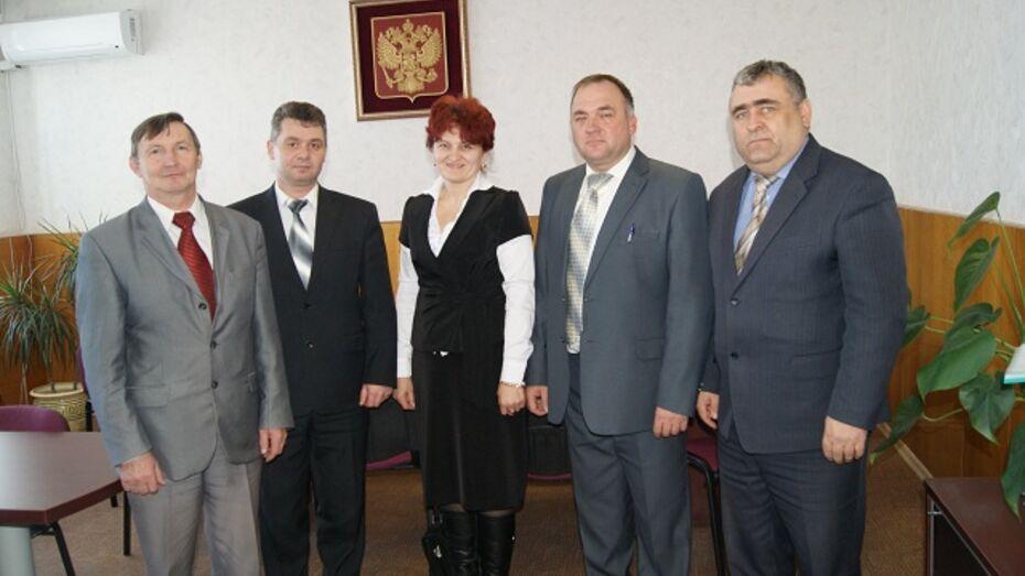 Лучшие главы сельских поселений Поворинского района получат от губернатора автомобили