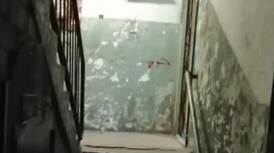 В Нововоронеже мужчина пытался выдать убийство в подъезде за самооборону