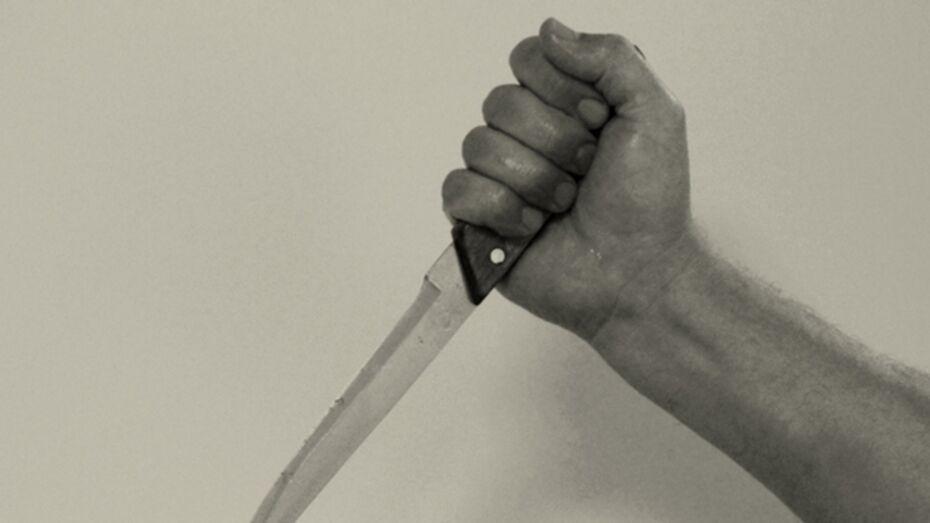 В Россоши мужчину, получившего ножевое ранение 8 марта, доставили в больницу только на следующий день
