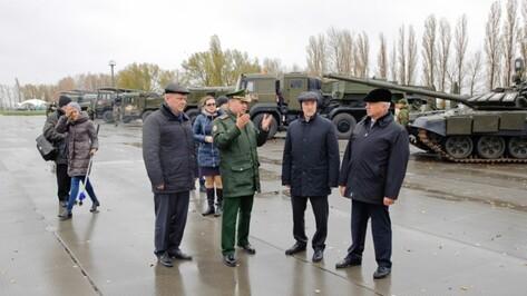 Губернатор Воронежской области посетил войсковую часть в Острогожске