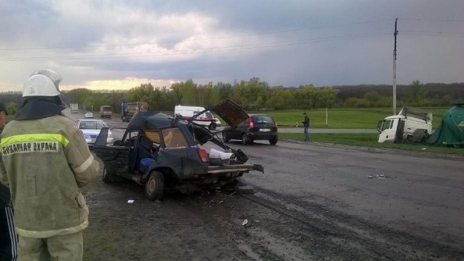 После ДТП с фурой в Воронежской области умерла 8-месячная девочка