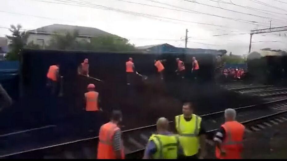 После схода с рельсов вагонов с углем в воронежских Лисках уволили 5 человек