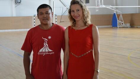 На работу в репьевскую ДЮСШ приехали известные тренеры из Узбекистана