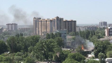 В центре Воронежа загорелся мусор на площади 150 кв м