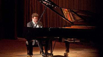 Денис Мацуев презентовал в Воронеже новый рояль Steinway