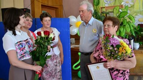 Образцовые грибановские семьи получили поздравления от губернатора и митрополита