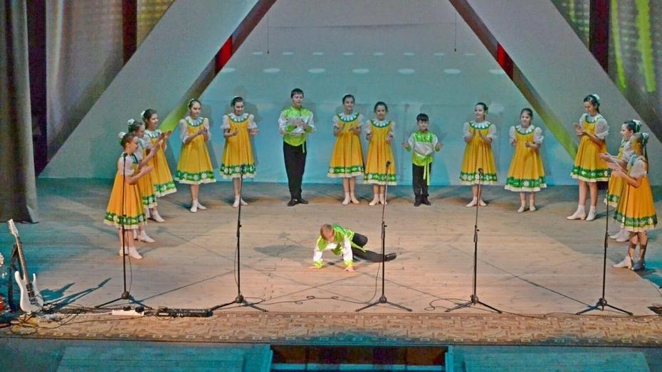 Ольховатский ансамбль за исполнение народного танца отметили на всероссийском фестивале