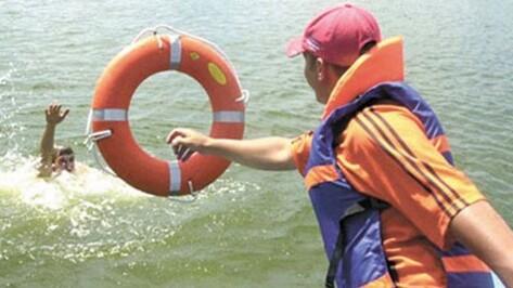 На муниципальных пляжах Верхнего Мамона появятся штатные спасатели