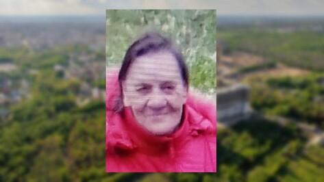 По пути из Воронежа в Панинский район пропала 79-летняя женщина