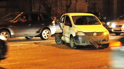 Иномарки массово столкнулись на Московском проспекте Воронежа