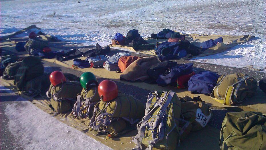 На воронежском аэродроме «Балтимор» проходят сборы спасателей-десантников