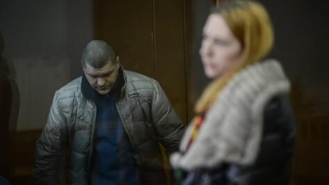 «Травма на всю жизнь». Воронежский суд допросил маму выжившего при убийстве родных ребенка