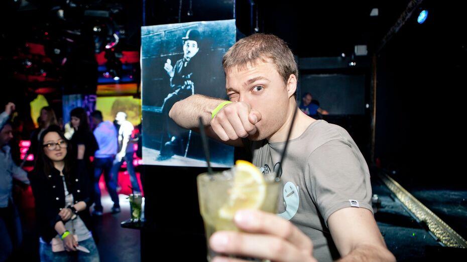 Воронежец открыл стрельбу в кафе из-за того, что ему не налили выпить