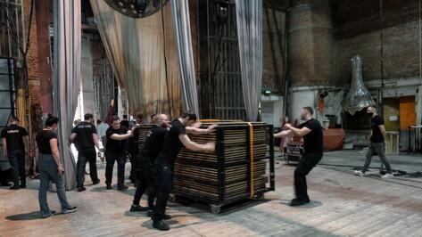 Для балета «Укрощение строптивой» Большого театра в Воронеж доставили 30 т декораций