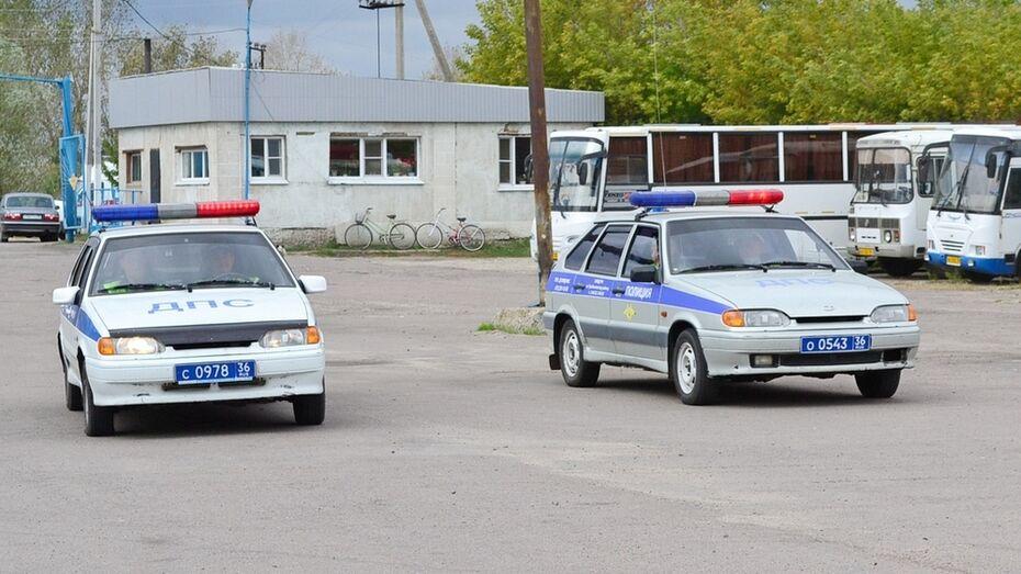 В Грибановском районе столкнулись «Газель» и Chery Amulet: пострадали 2 пассажира