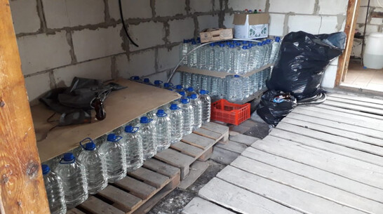 Почти 8 тыс литров нелегального алкоголя нашли в Воронежской области