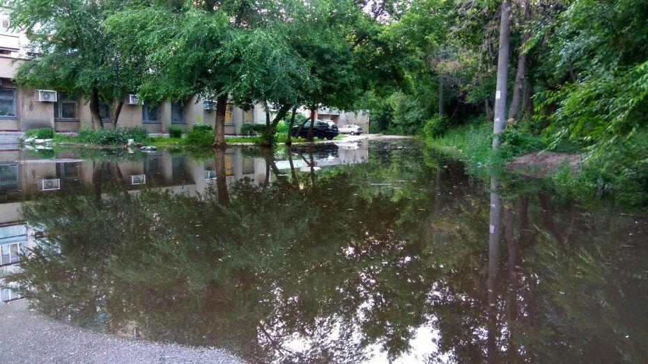 В Воронеже коммунальщики вернули воду в дома на проспекте Труда