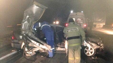 Под Воронежем при столкновении Hyundai и «КамАЗа» погибла женщина и ранены 5 человек