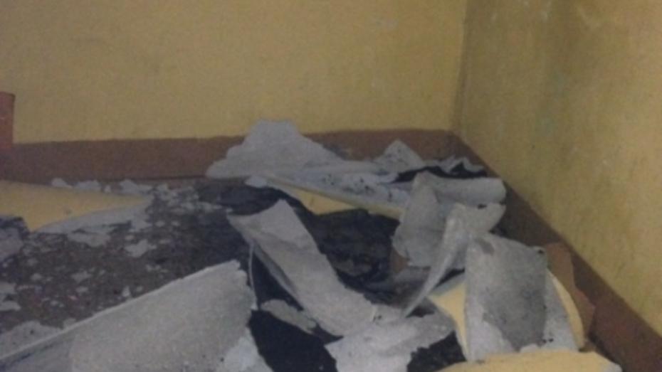 В Воронеже женщину травмировал осколок лопнувшего мусоропровода