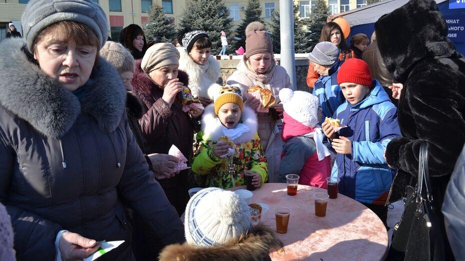 На Масленицу лискинцы съели тысячу блинов и выпили 200 литров чая