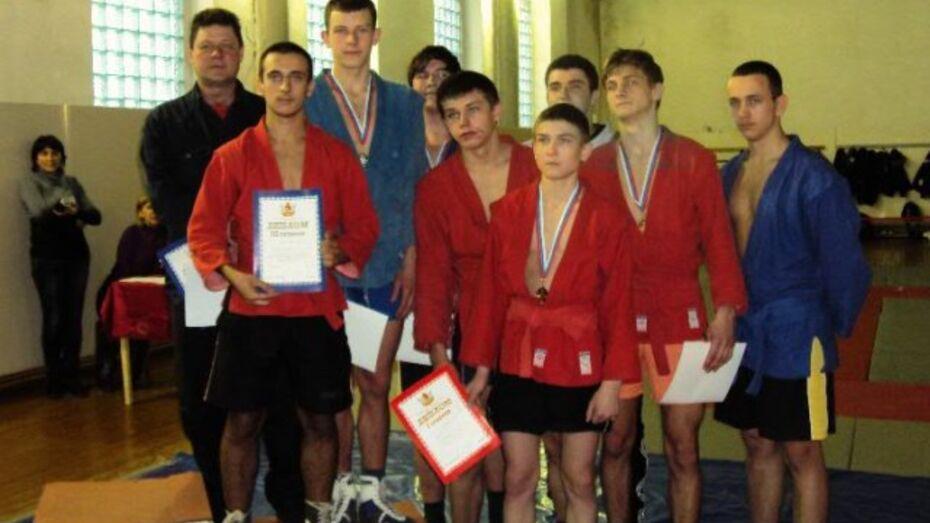 Верхнемамонские самбисты стали победителями и призерами областных соревнований