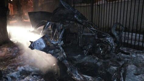 В Железнодорожном районе Воронежа ночью сгорел Daewoo Espero