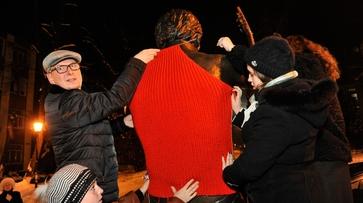 Воронежские мастерицы свяжут свитер для памятника Высоцкому из 4 кг шерсти