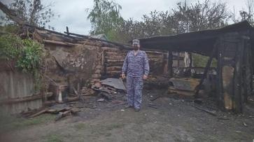 Офицер Росгвардии спас мать с 5 детьми при пожаре в Таловском районе