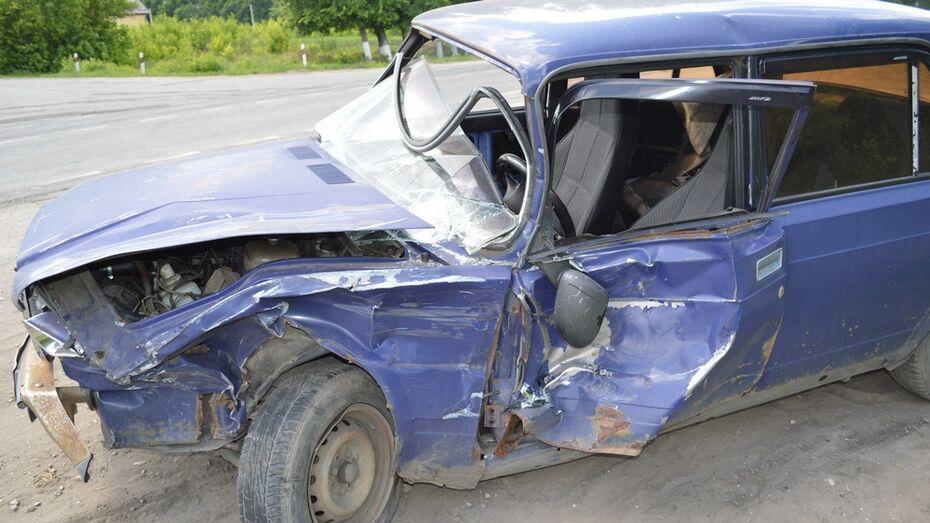 Под Рамонью столкнулись «семерка» и Chevrolet Niva