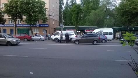 В Воронеже на остановке «Застава» сбили пешехода