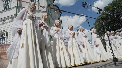 Губернатор и спикер облдумы поздравили воронежцев с Днем славянской письменности и культуры