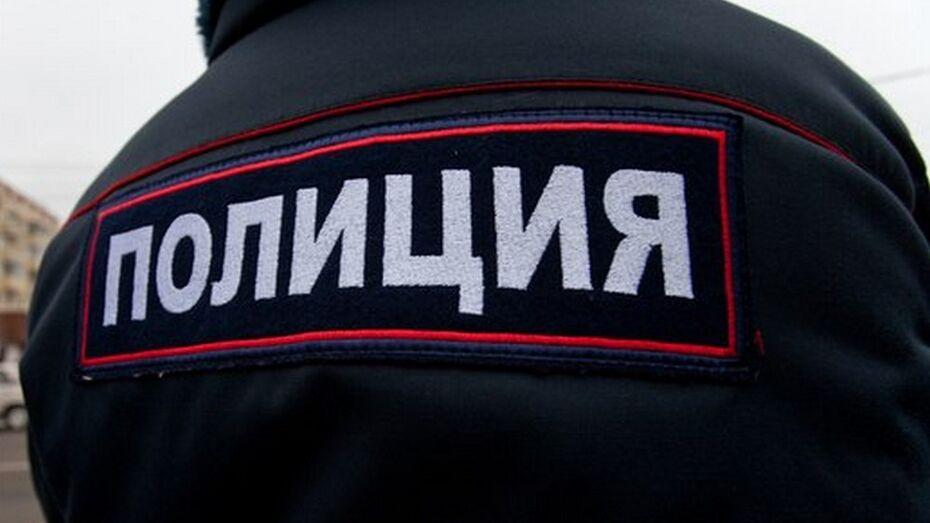Двое жителей Семилукского района украли с пилорамы 400 кг металлолома
