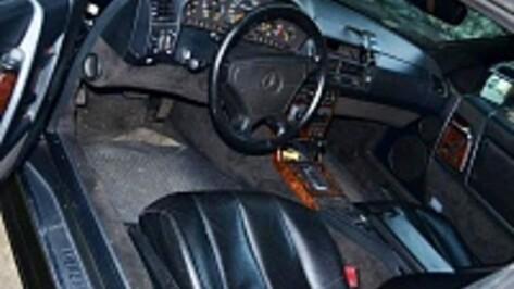 Молодой мужчина погиб под колесами Mercedes-Benz в Воронеже