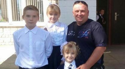 «Дети сделали выбор сами». Житель воронежского села один воспитывает сына и двух дочерей