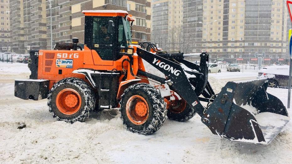 На работу – по чистому тротуару. Как в Воронеже справляются с последствиями снегопада