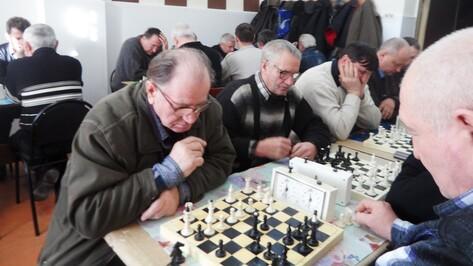Богучарец стал победителем областного турнира по шахматам