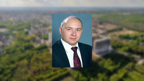 Преподавателя юрфака в Воронеже заподозрили в обмане абитуриента на 400 тыс рублей