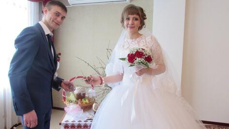 В Новохоперском районе на Красную горку прошла торжественная регистрация 2 пар